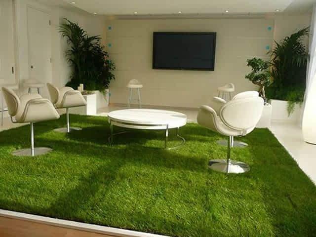 Como usar um tapete de grama sintética em ambientes internos