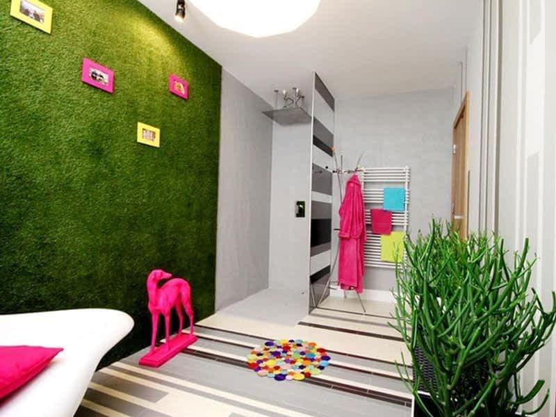 Como usar Grama Sintética decorativa nas paredes de casa?