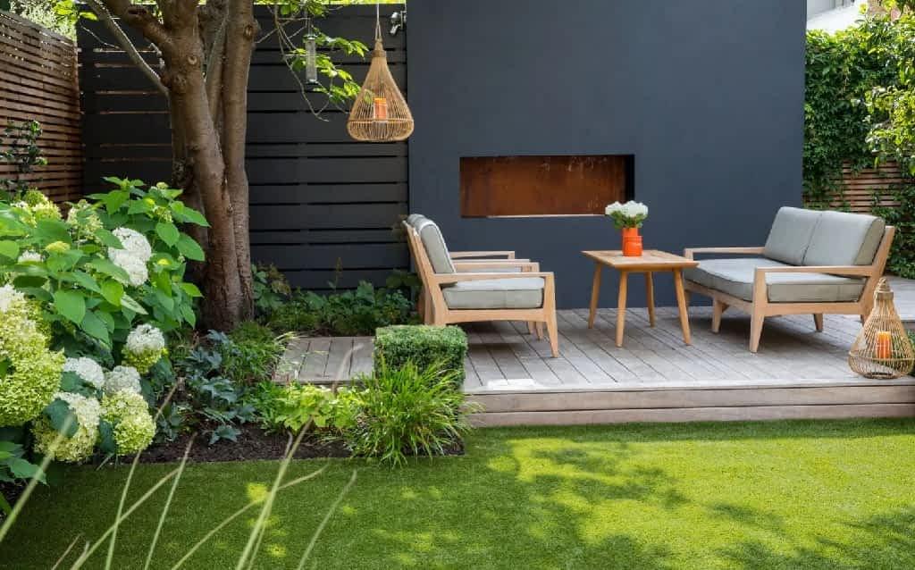Cuidados ao escolher os móveis para jardim com Grama Sintética
