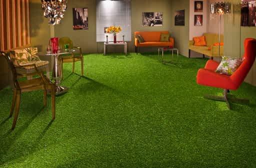 4 ambientes para se usar grama sintética decorativa